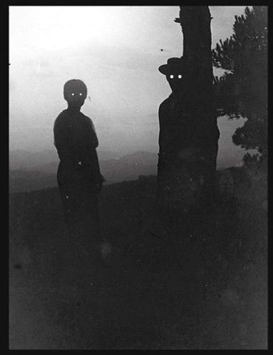 Vintage Couple with Glowing Eyes ~ 25 Creepy Photos