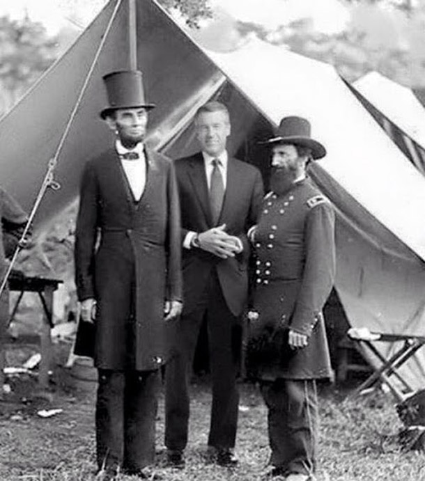 Photo of Brian Williams with Abe Lincoln and General Grant