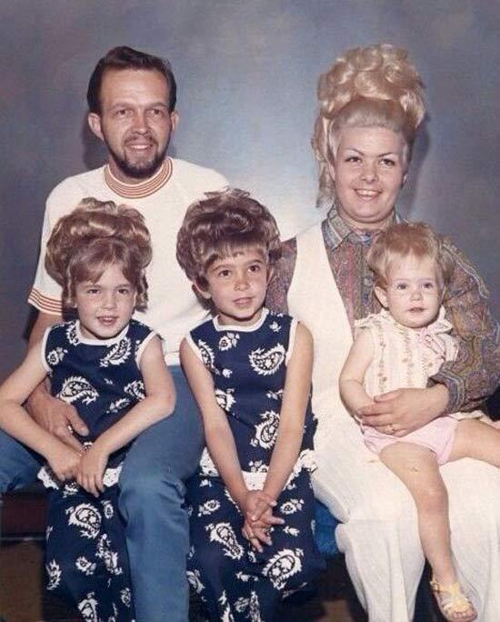 Funny Awkward Family Photos: Vintage portrait big hair 1960s