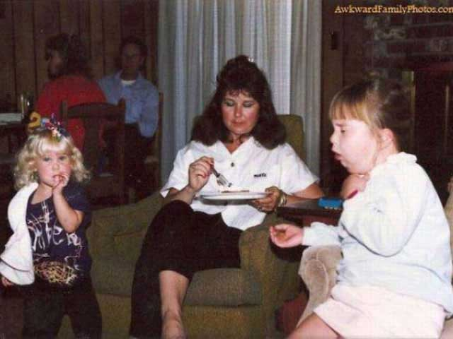 Funny Awkward Family Photos: eating cake, girl choking
