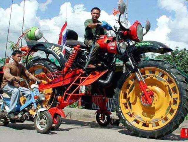 Funny pics ~ giant monster motorcycle