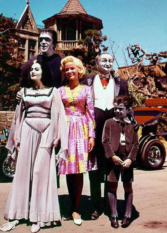 31 funny pics & Memes ~ Munsters in color