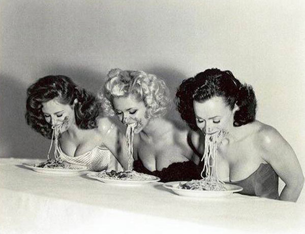 33 Funny Pics~ vintage pic of models eating spaghetti