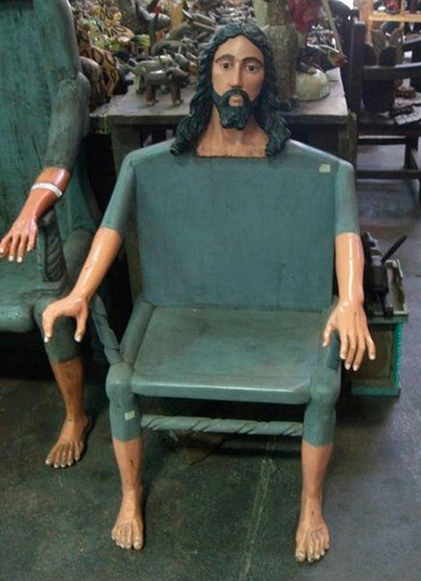 33 Funny Pics of the Day ~ Jesus chair