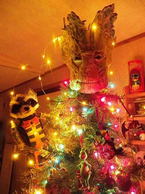 41 Funny Christmas Photos ~ Galaxy Quest tree topper