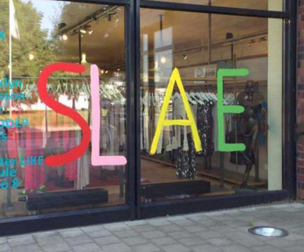 27 You Had One Job Fails ~ misspelled sale