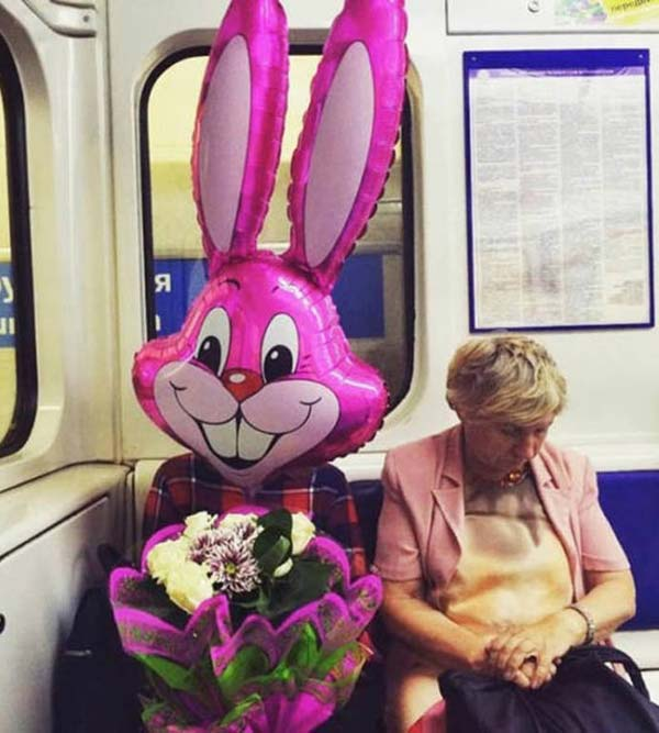 35 Funny Pics ~ perfectly timed bugs bunny balloon face, subway