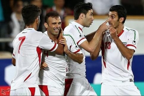 Celebrating Hosseini goal, Shojaei, Nekounam & Mahini