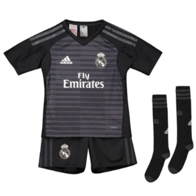 Real Madrid 2018-2019 Home Goalkeeper Mini Kit [CG0540 ...