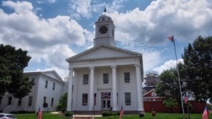 photo of the Lafayette County Courthouse
