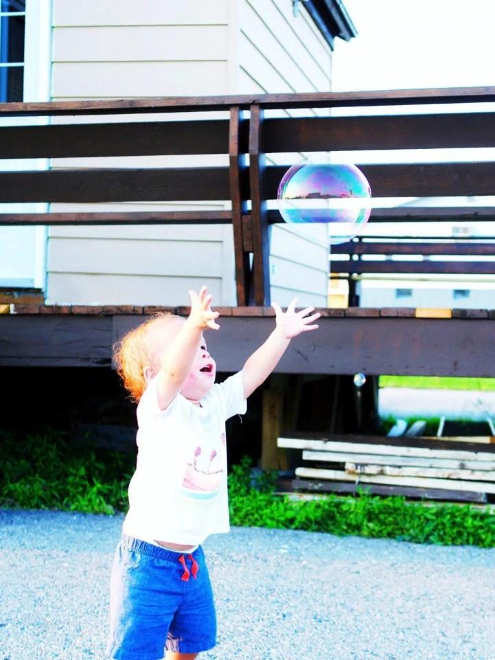 Best travel toys for babies: Bubbles