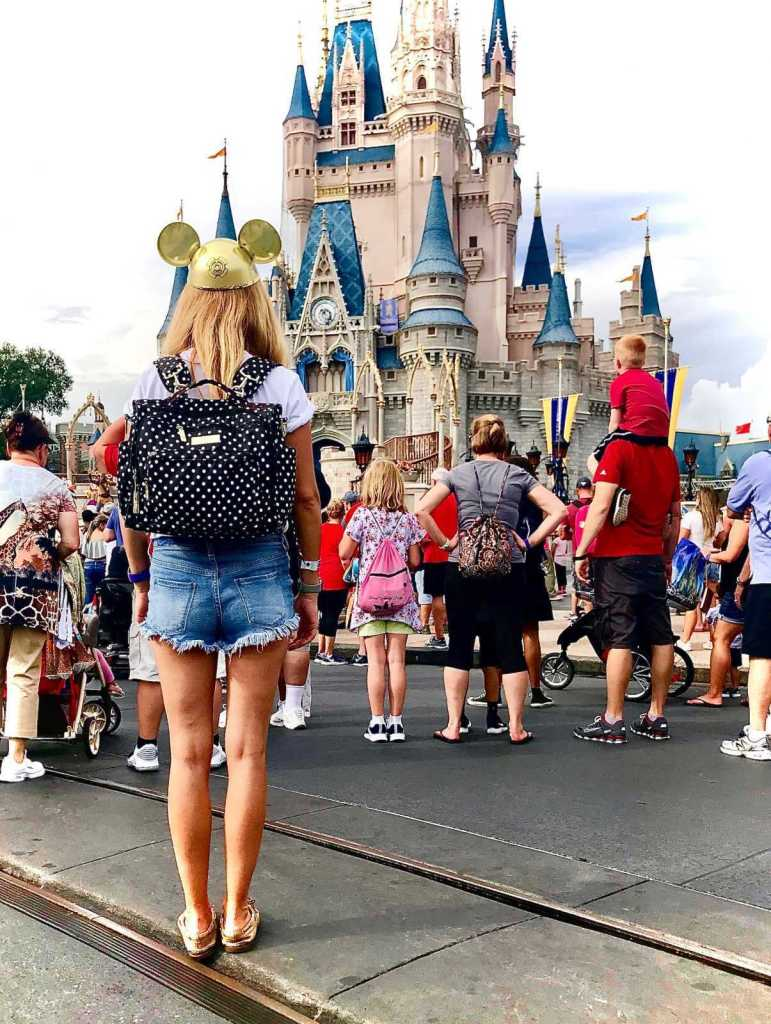 How to pack a diaper bag for Disney World