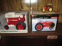 Donald & Lois Booth Estate: Antiques, Collectibles, Gun, Lawn & Garden Equip, Tools, Household, Miscellaneous