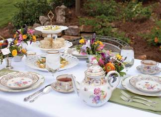 Outdoor Spring Tablescape