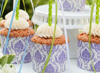 How-To make Strawberry Maypole Cupcakes