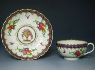 Worcester porcelain teacup and saucer c.1700