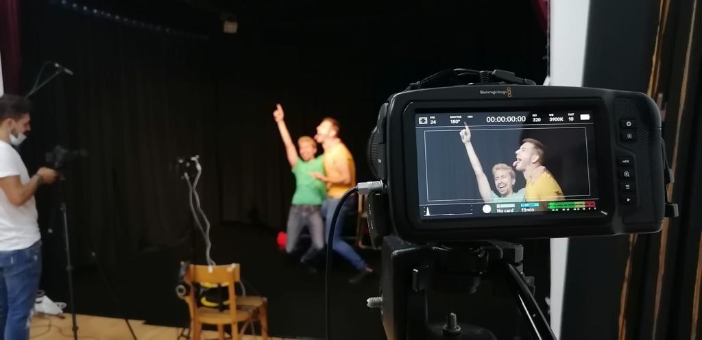 Actuació en format digital. Semi-presencial