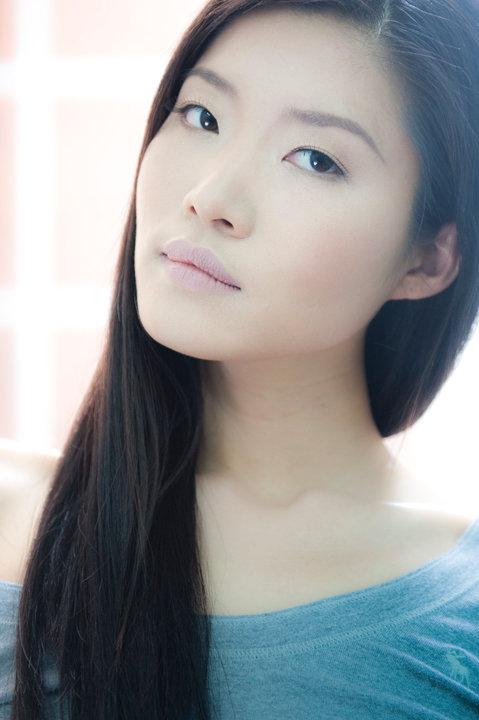 Ji Son Glamour Shot