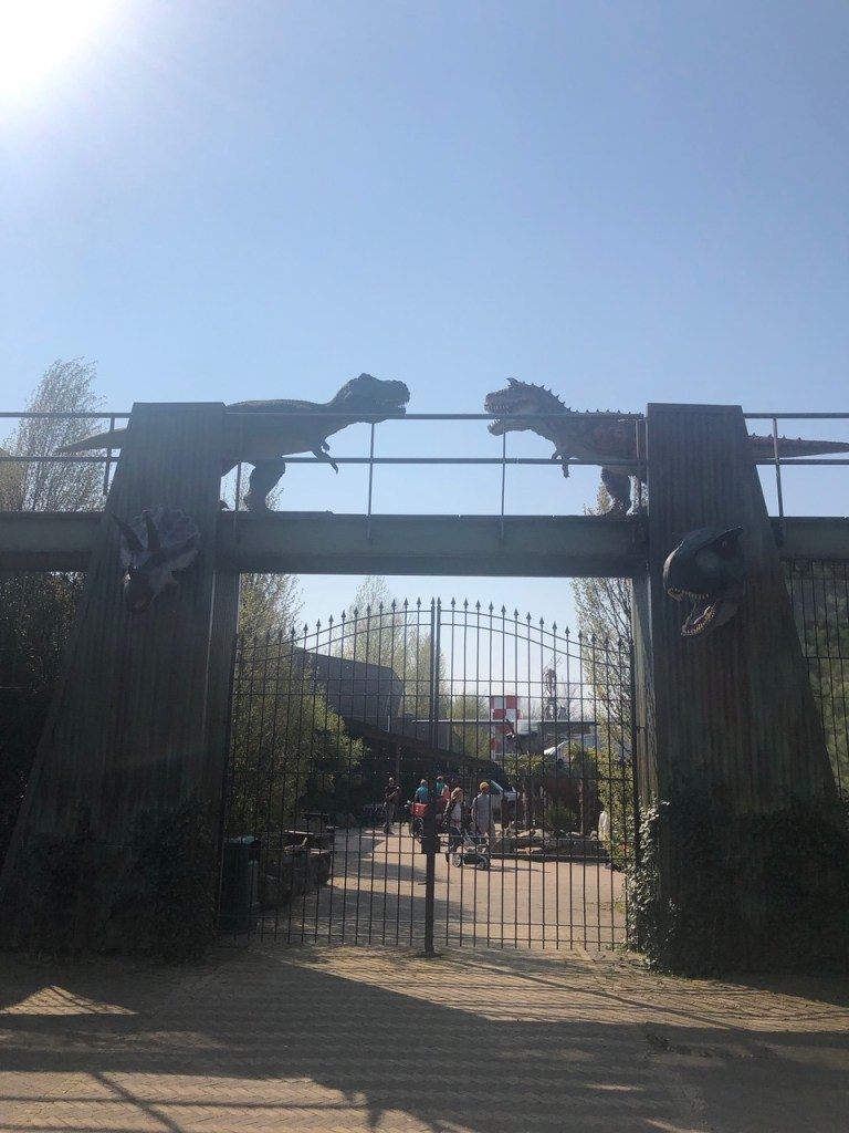 Main gate, with 2 dinosaurs, at Dinoland as we were exiting