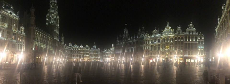 Things to do in Brussels: Grand Place Brussels at night