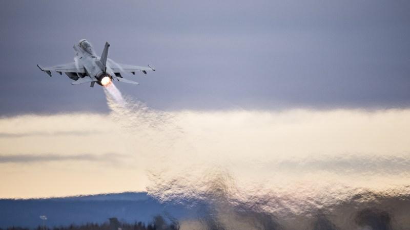 Krieg in Syrien : Israelischer Raketenangriff auf einen iranische Stützpunkt in der syrischen Wüste