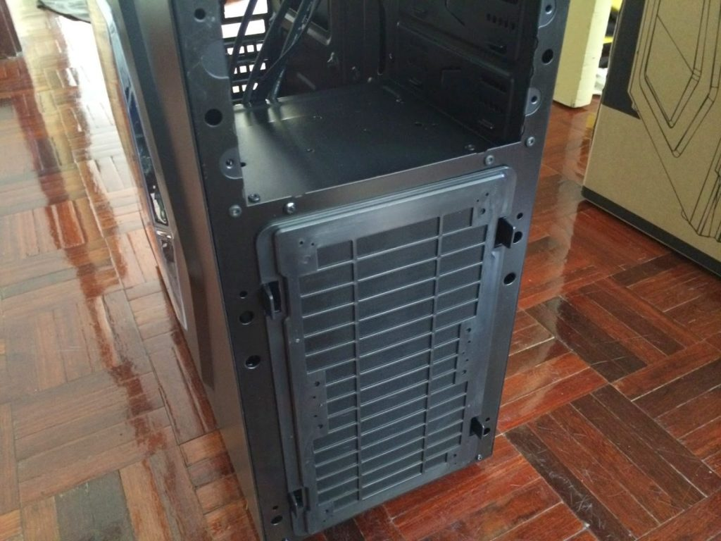 Unboxing & Review: Thermaltake Versa H21 12