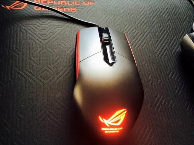 ASUS ROG Whetstone Gaming Mousepad Review 29