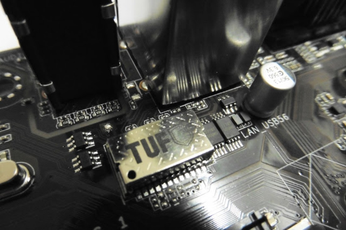 Unboxing & Review: ASUS Trooper B85 8