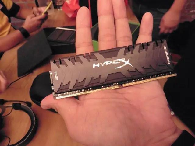 Computex 2016: Kingston Unveils Its New HyperX Predator 3300MHz DDR4 Memory Kit and SSDNow UV400 TLC NAND Flash SSD 7