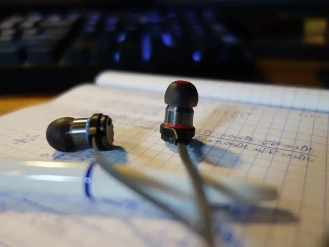 Cooler Master Announces the MasterPulse In-ear Bass FXEarphones 11