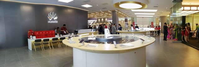 Huawei Launches First Regional Flagship Store in Malaysia 5