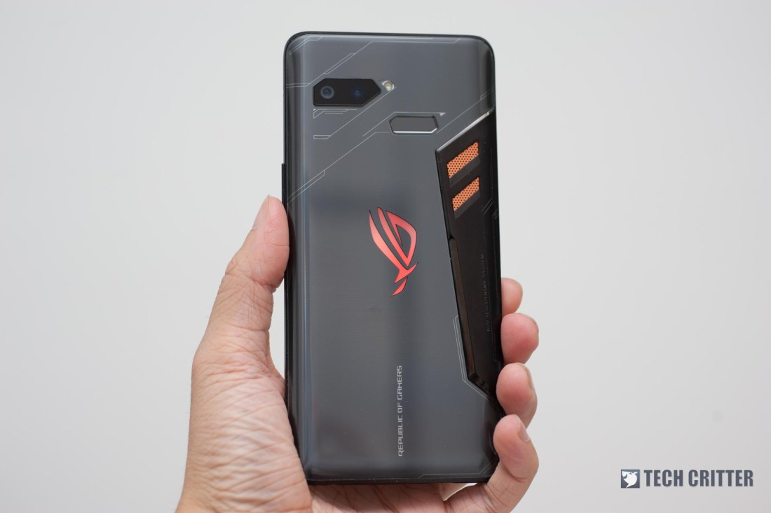 Review - ROG Phone: Gaming Phone Done Right 3