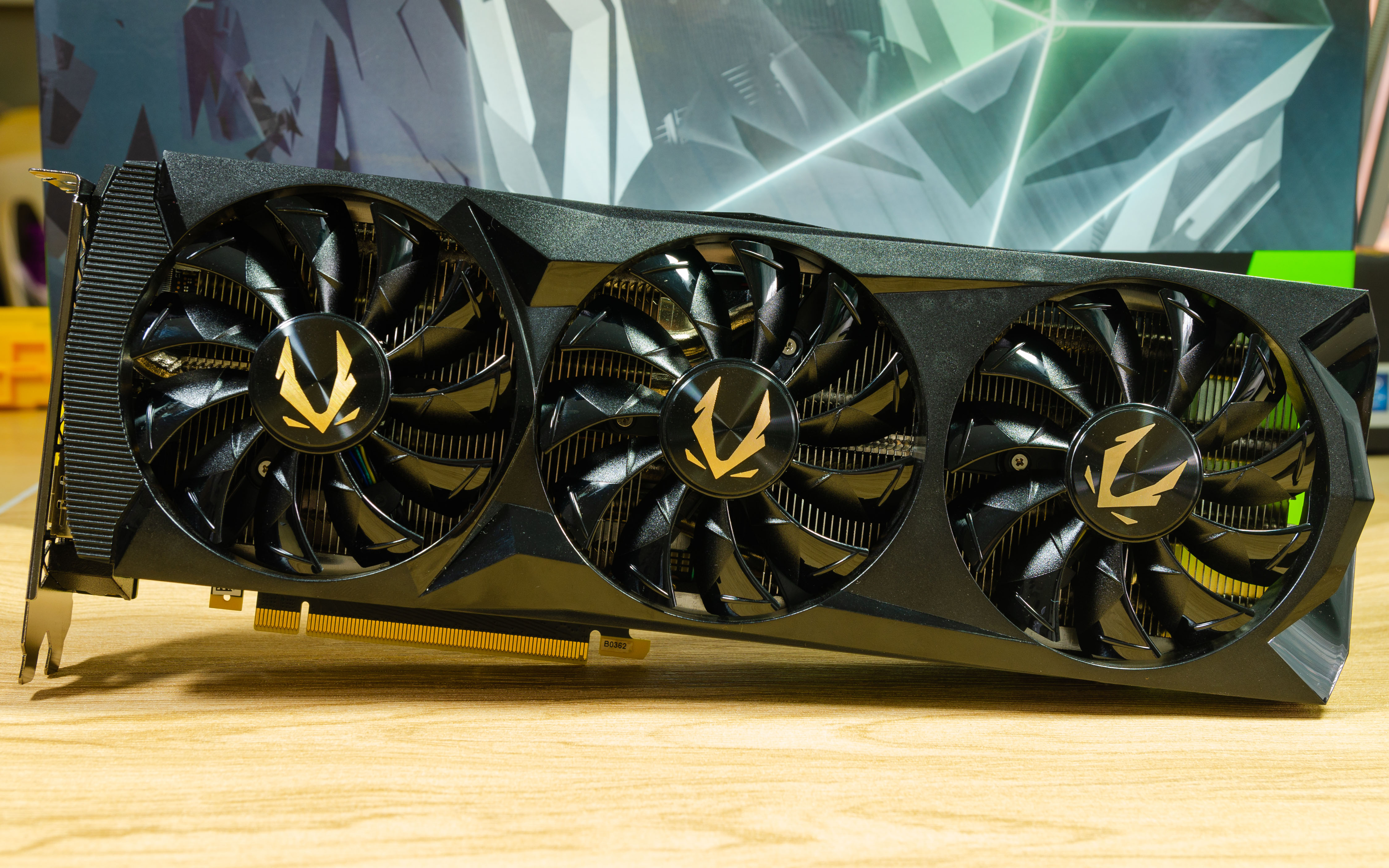 Unboxing & Preview: ZOTAC Gaming GeForce RTX 2080 Ti AMP Edition