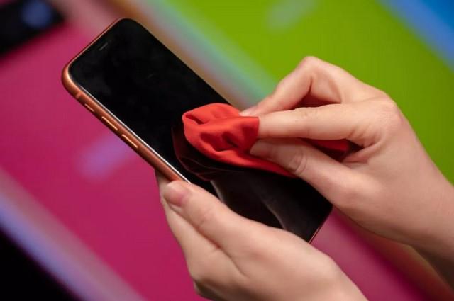 إرشادات هامة للحفاظ على هاتفك الذكي خاليًا من فيروس كورونا من شركة كاسبرسكى