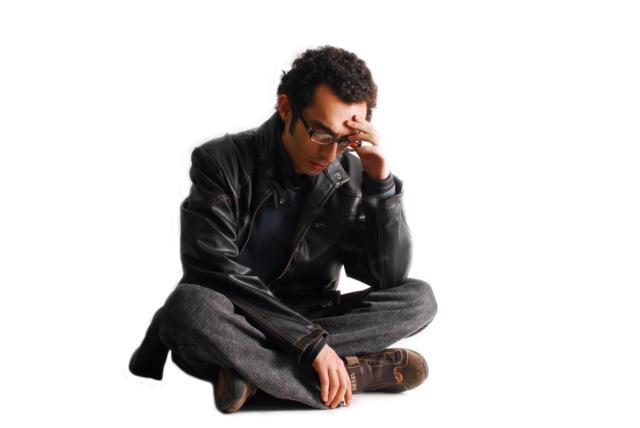 sad business man 640x428 لا تبدأ موقعك من الصفر!