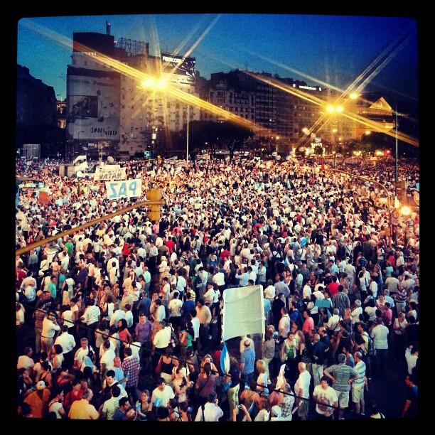 300 ألف معارض للحكومة في بيونس آيرس