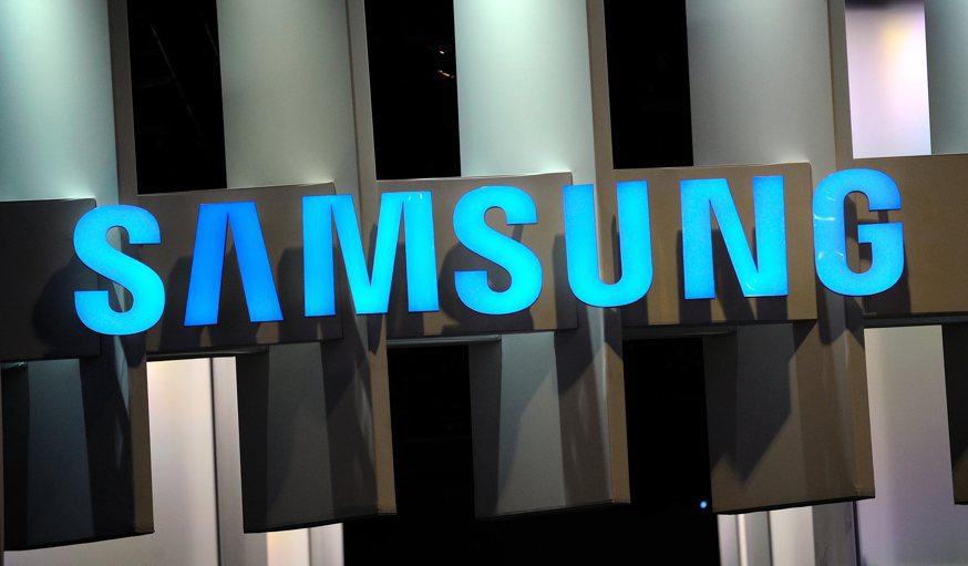 سامسونج تنوي تقليل هواتفها الذكية بنسبة تصل 30 بالمئة