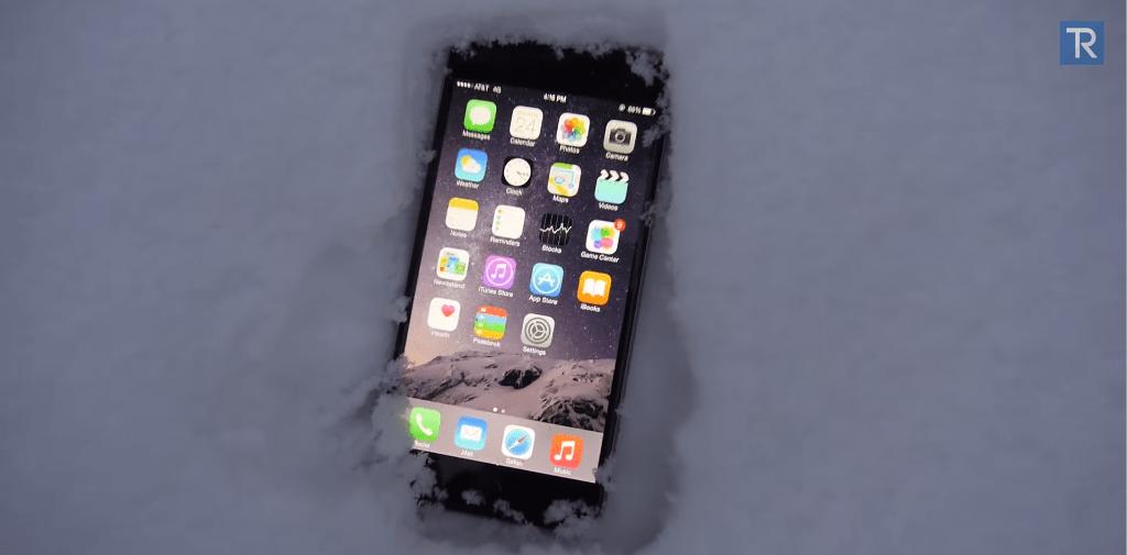 اختبار التحمل: شاهد آيفون 6 بلس مدفونًا في الثلج ليلة بأكملها!