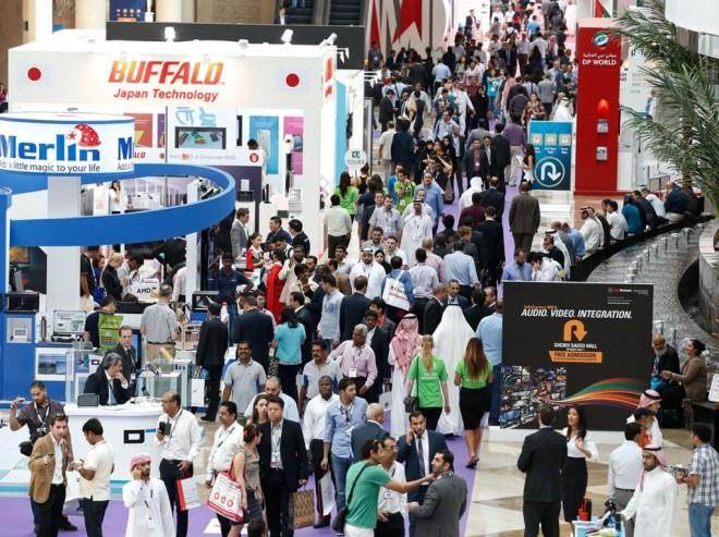 تقود الاتصالات والمشاريع الكبيرة إلى جانب القطاع العام النمو في منطقة الشرق الأوسط والتي تعتبر واحدة من أسرع المناطق في العالم في عملية تبني حلول الانترنت في العام 2015