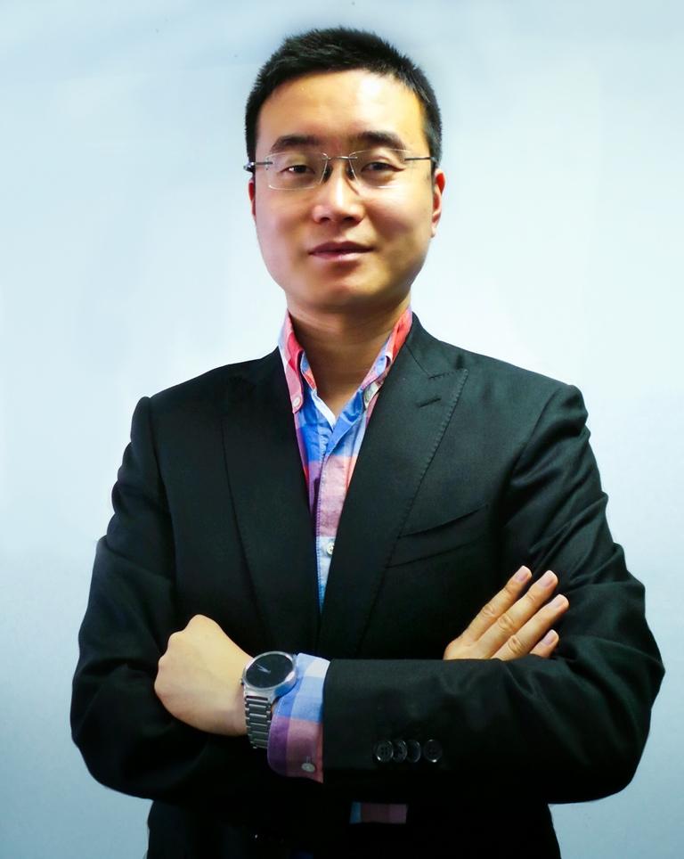 Chris Sunbaigong - VP of Huawei honor new