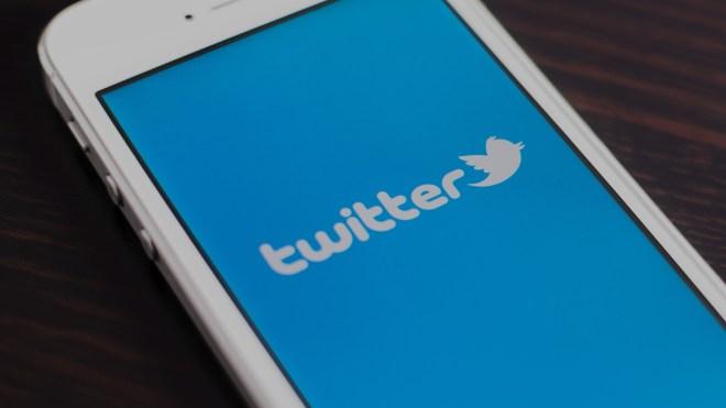 twitter mobile iphone app ss 1920 - تويتر تحث المستخدمين على تغيير كلمات السر الخاصة بهم بعد اكتشاف ثغرة أمنية خطيرة