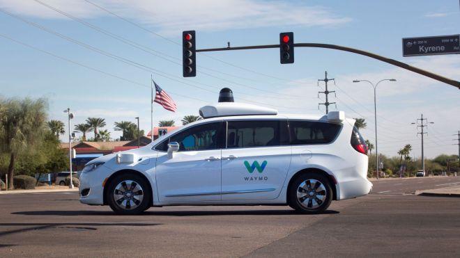 """ماذا يعني دخول """"وايمو – Waymo"""" المنافسة في سوق خدمات النقل ؟ وكيف يبدو مُستقبل مُشاركة السيارات في العالم؟"""