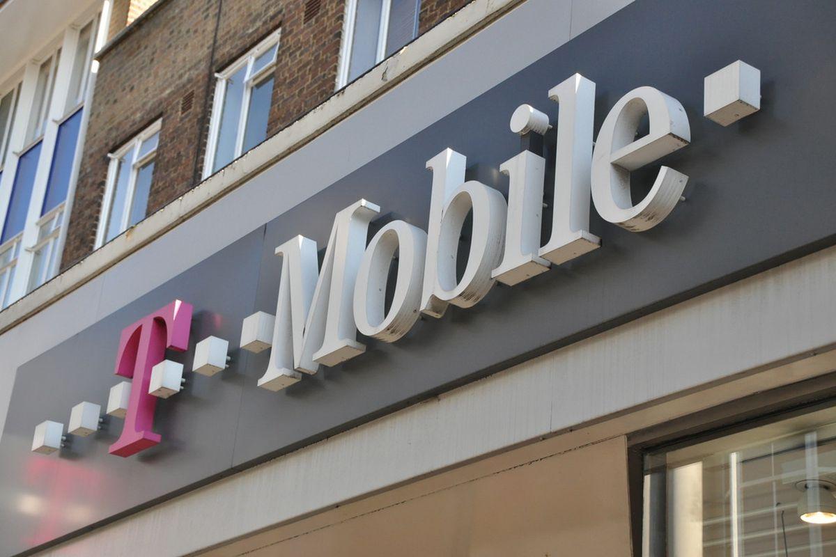 شركة T-Mobile تتعرض لحملة اختراق لمعلومات 2 مليون من مستخدميها