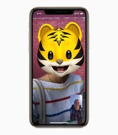 iOS12_iPhoneXs-Memoji-Cat-09172018