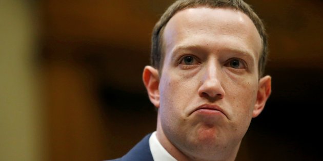 مالكو أسهم فيسبوك يريدون إزالة مارك زوكيربيرغ من أعلى الهرم الاداري