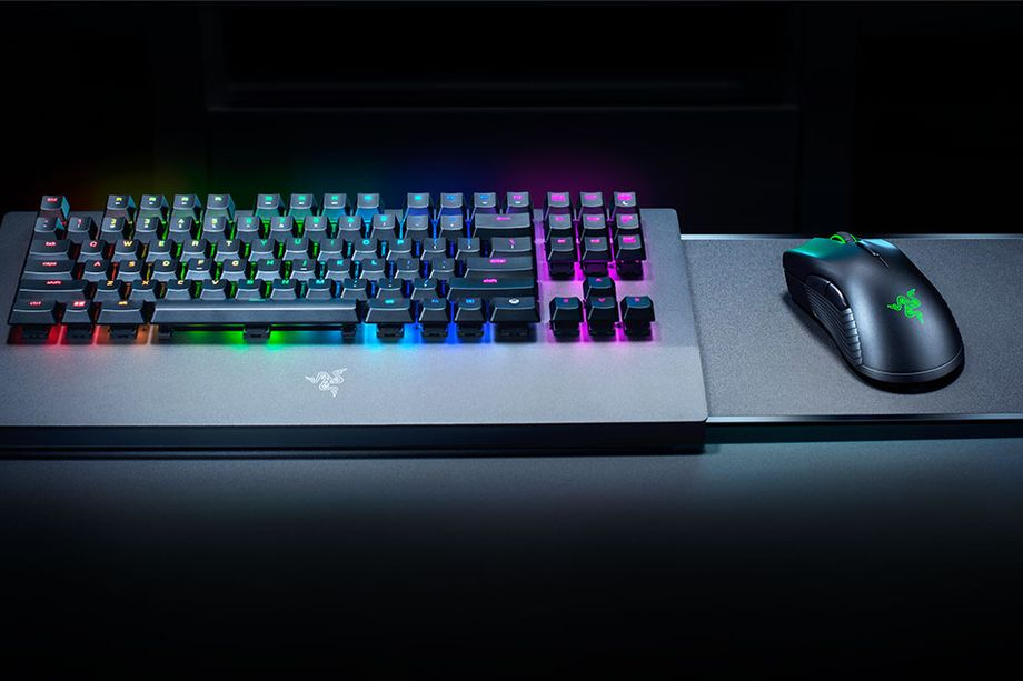 ريزر تشوق الجمهور بفيديو لوحة مفاتيح وفأرة Xbox وتكشف التفاصيل في معرض CES