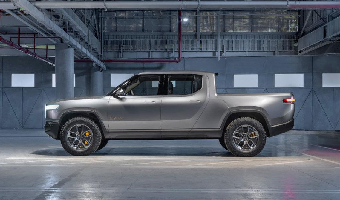 أمازون تستثمر 700 مليون دولار في شركة صناعة السيارات الكهربائية