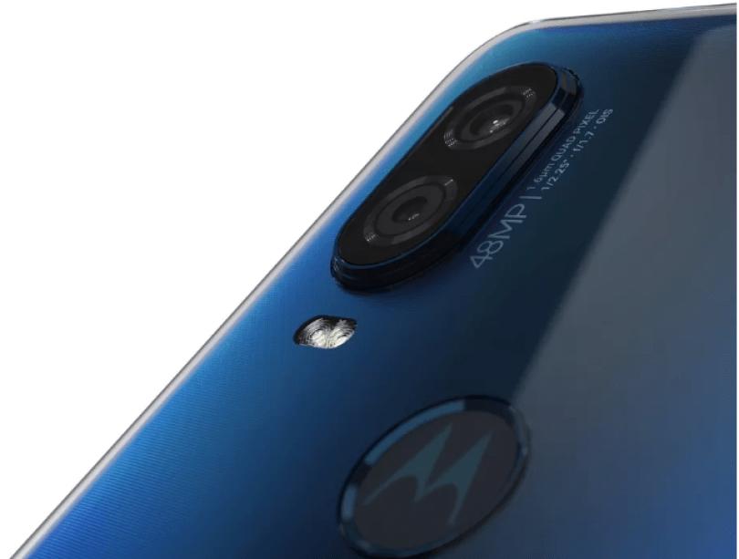 موتورولا تكشف هاتفها One Vision Screenshot_2019-05-1