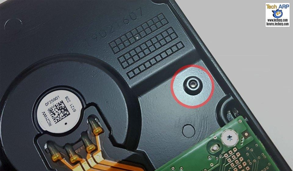 WD Gold 8TB Datacenter Hard Disk Drive gas port
