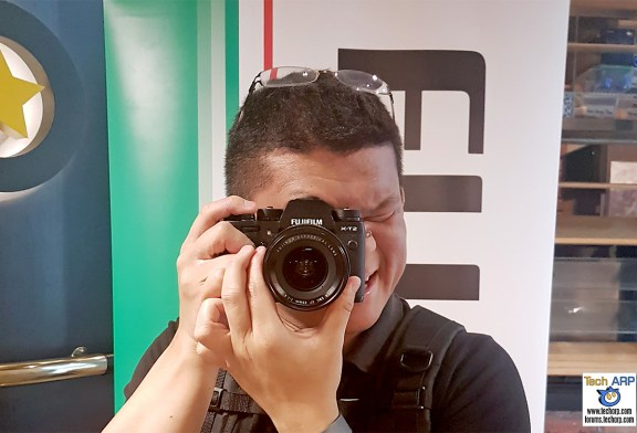 Fujifilm X-T2 Mirrorless Camera Hands-On Preview